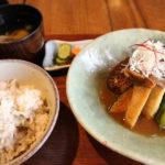 """<span class=""""title"""">まずは3選!子供や家族・友達とくつろげる熊取町おすすめのカフェ・ランチ</span>"""