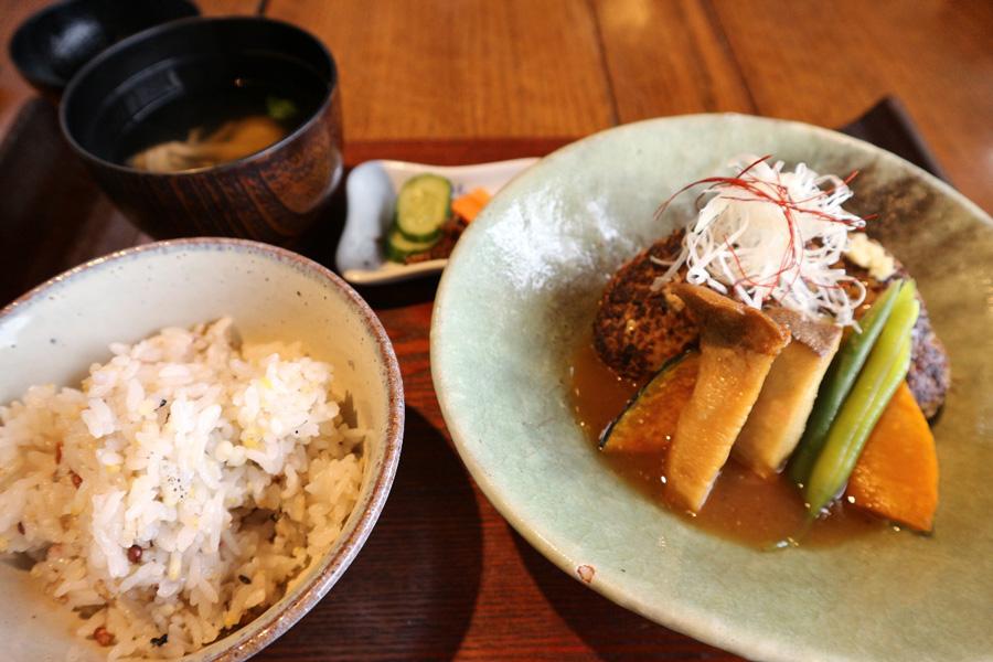 まずは3選!子供や家族・友達とくつろげる熊取町おすすめのカフェ・ランチ