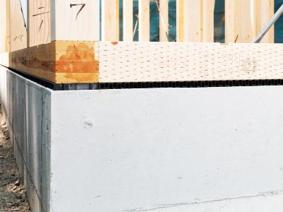 湿気を防ぐ、基礎パッキン工法を採用
