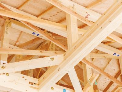構造の要には厳選した良質の積層材(集成材)